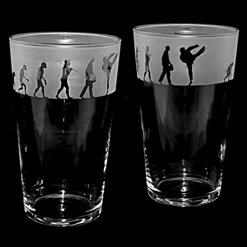 KARATE EVOLUTION Conical Pint Glass 57cl