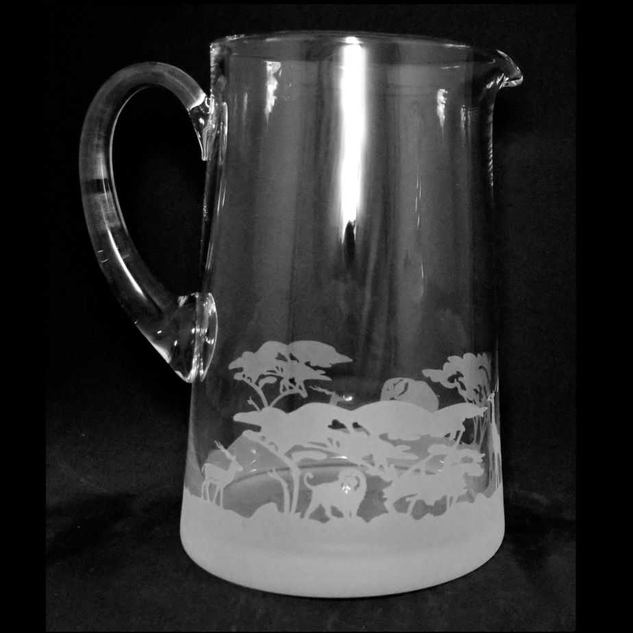 SAFARI Large 1.7 Litre Glass Tapered Jug