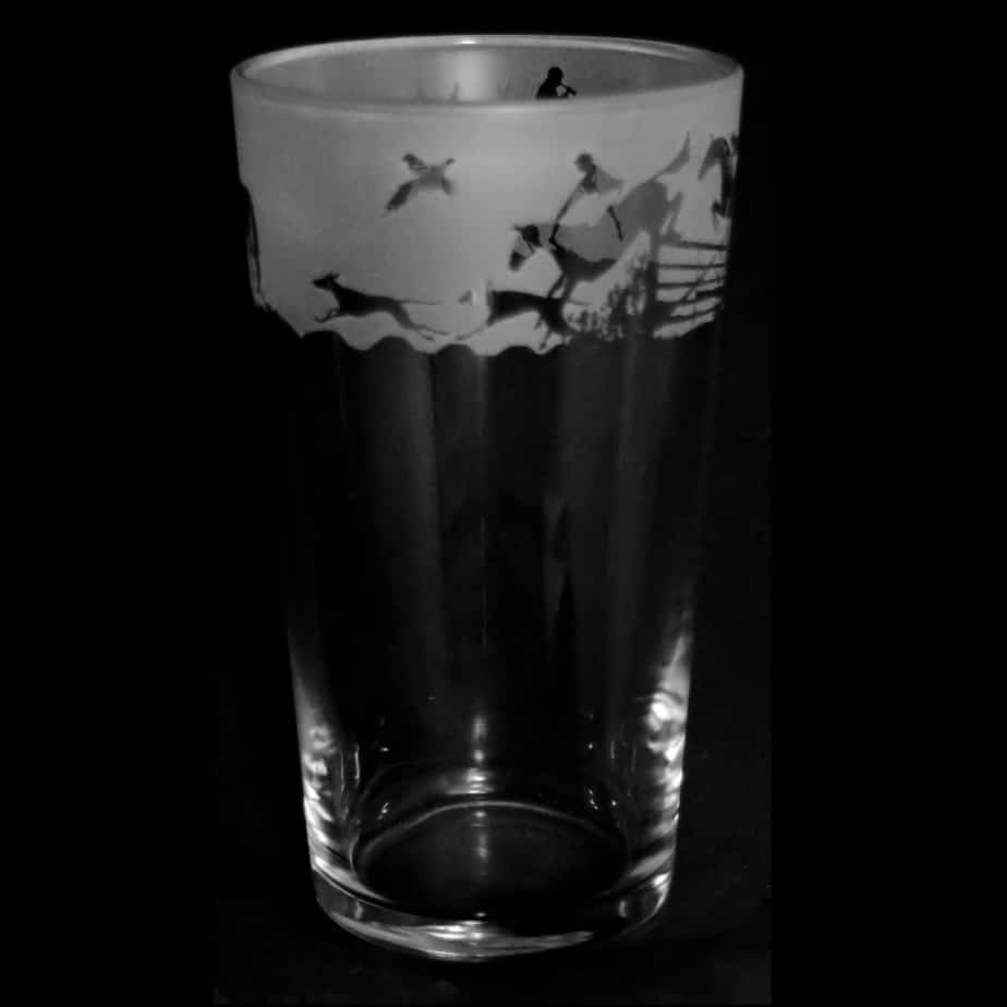 COUNTRY LIFE HUNTING SCENE Conical Pint Glass 57cl