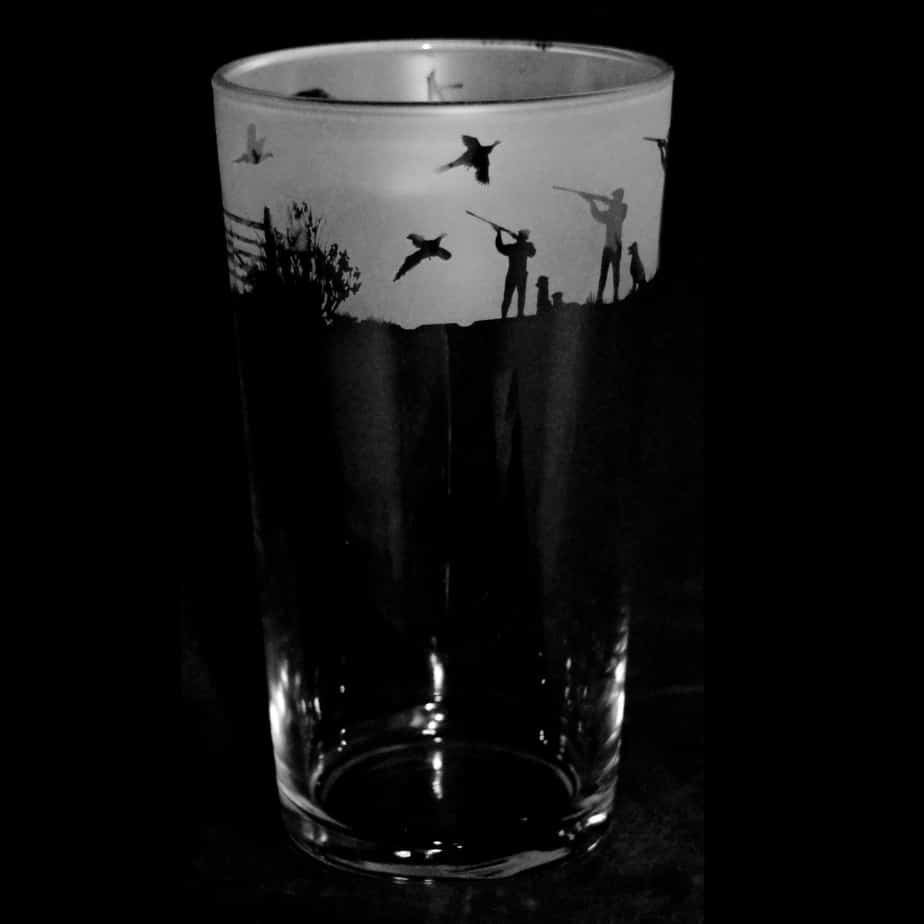 COUNTRY LIFE SHOOTING SCENE Conical Pint Glass 57cl