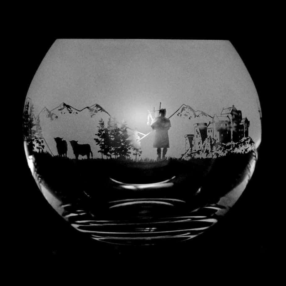 SCOTTISH SCENE Large Crystal Glass Globe Vase