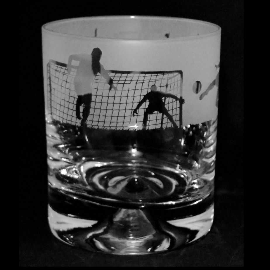 FOOTBALL SCENE – Whisky Tumbler