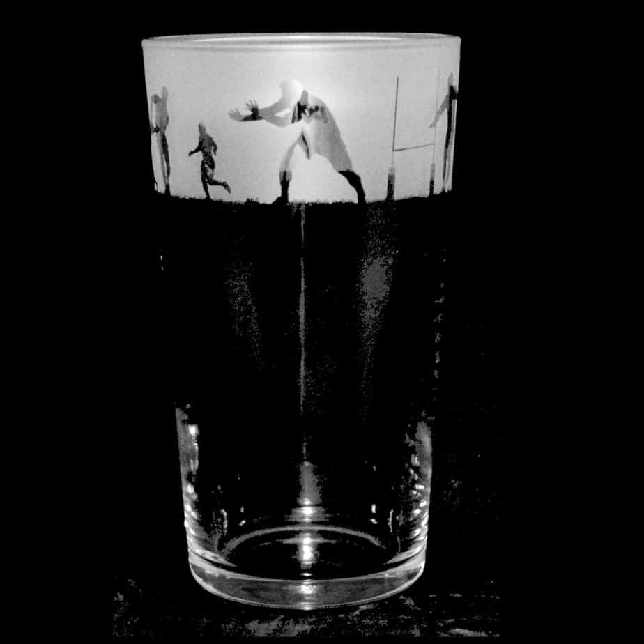 RUGBY SCENE Conical Pint Glass 57cl
