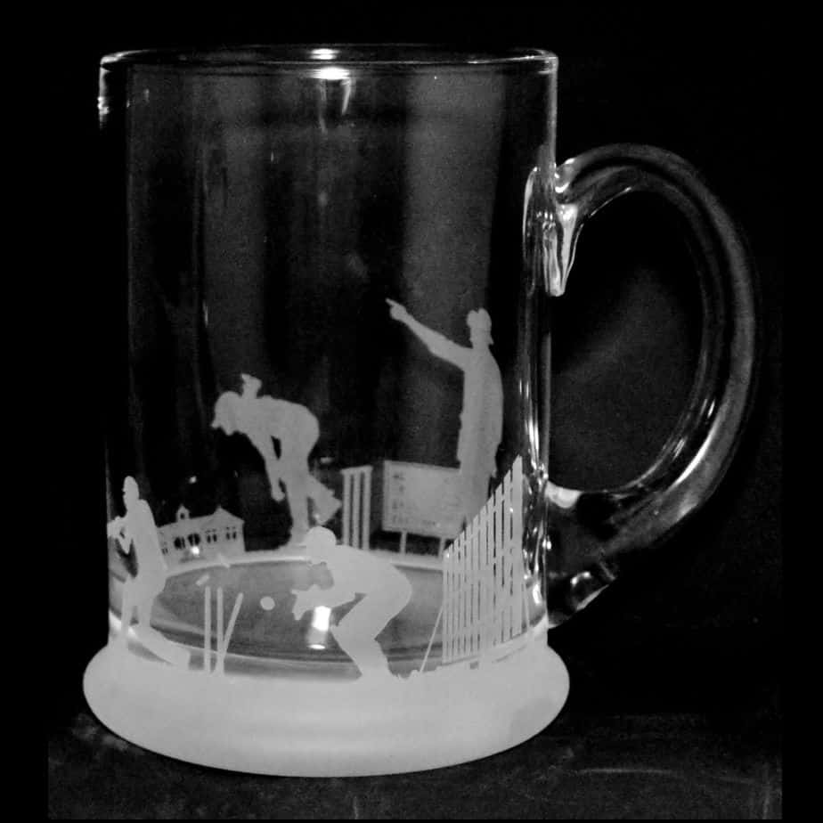 CRICKET SCENE Crystal Pint Tankard 57cl