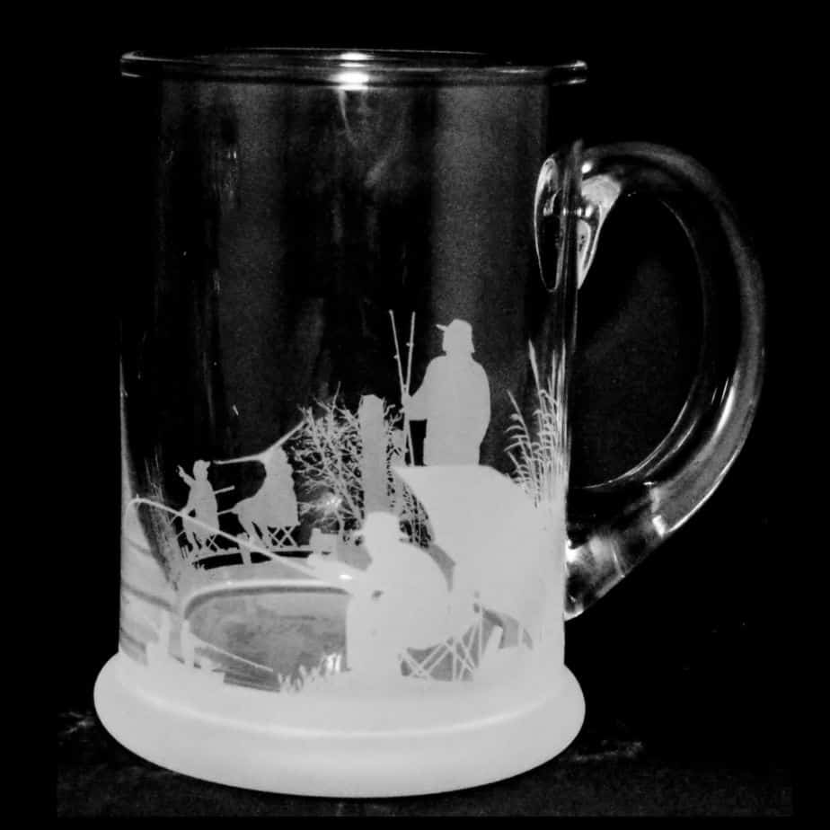 FISHING SCENE Crystal Pint Tankard 57cl