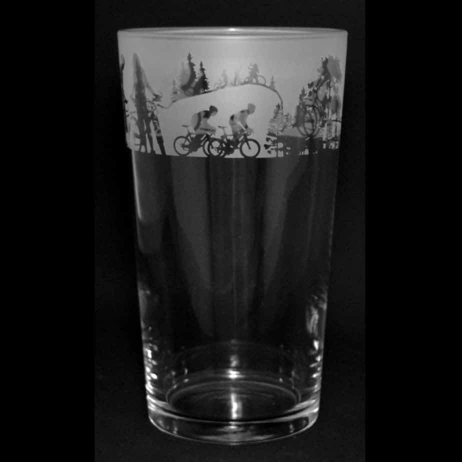 CYCLING SCENE Conical Pint Glass 57cl