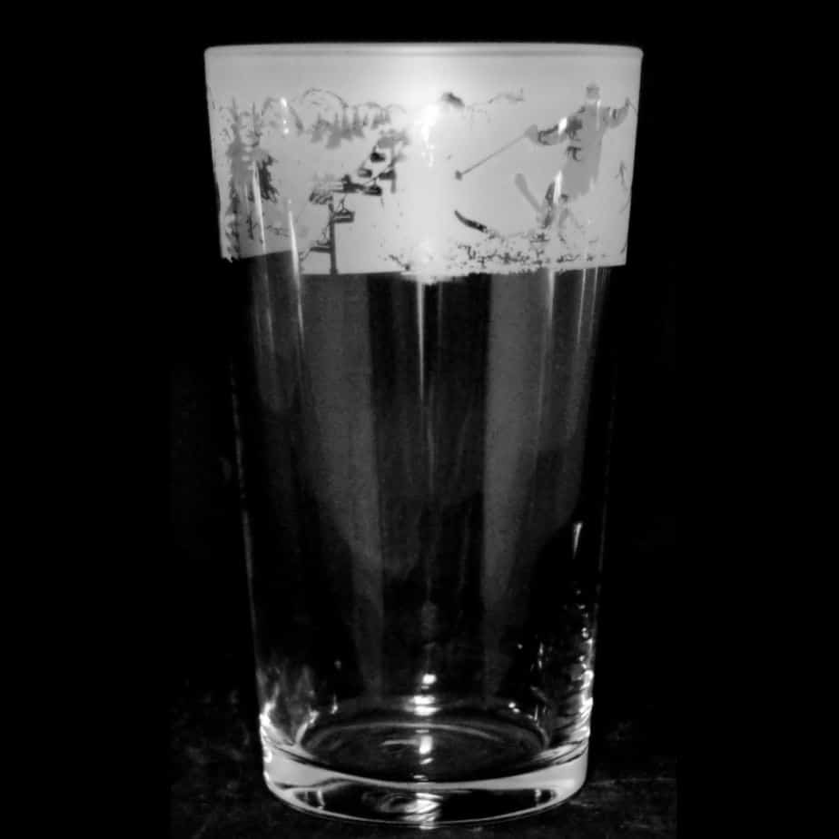 ALPINE SKI SCENE – Conical Pint Glass