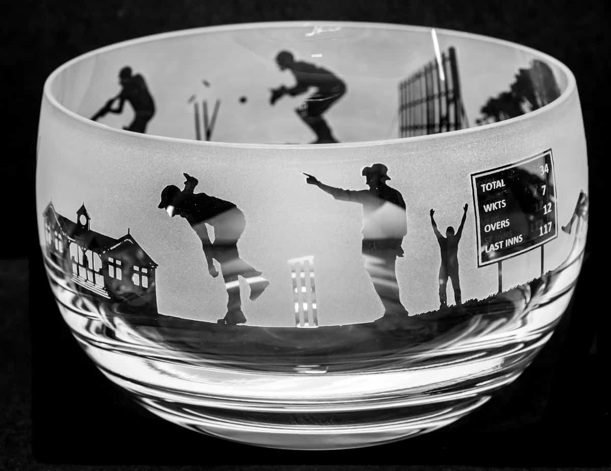 CRICKET Small Crystal Glass Bowl