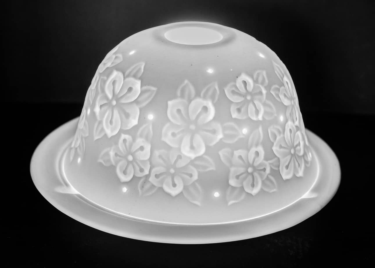 Flower Petals Porcelain Dome Tealight Holder