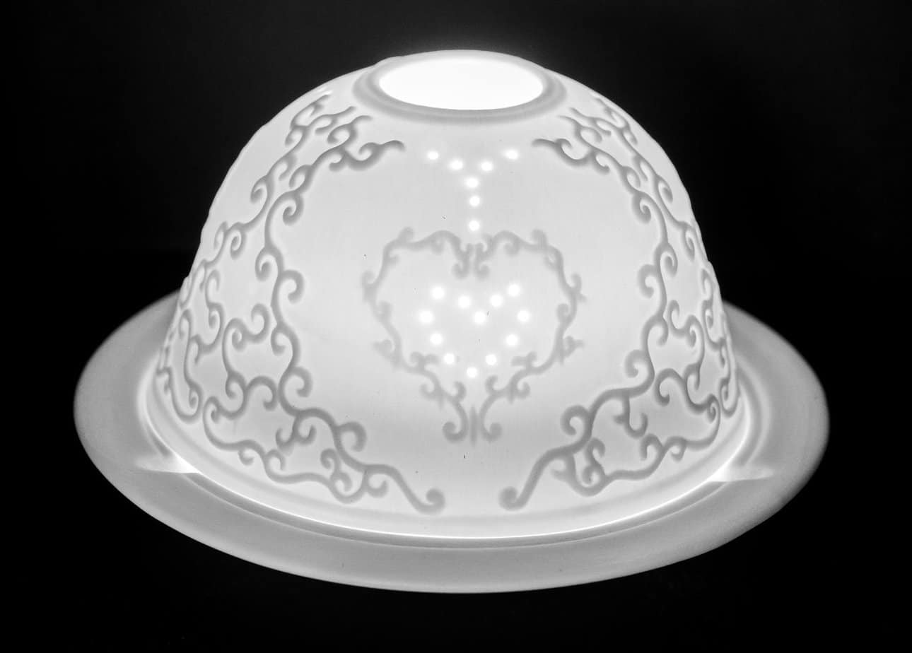 Single Heart Porcelain Dome Tealight Holder